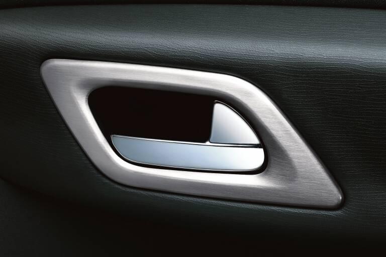 kit de revestimiento para empuñaduras de puertas delanteras apariencia de aluminio satinado